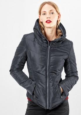 s.Oliver Q/S prošívaná bunda s kožešinou